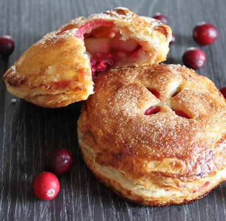 Sweet Tooth: Holiday Recipe Heaven: Day 2 - Pear Cranberry Hand Pie