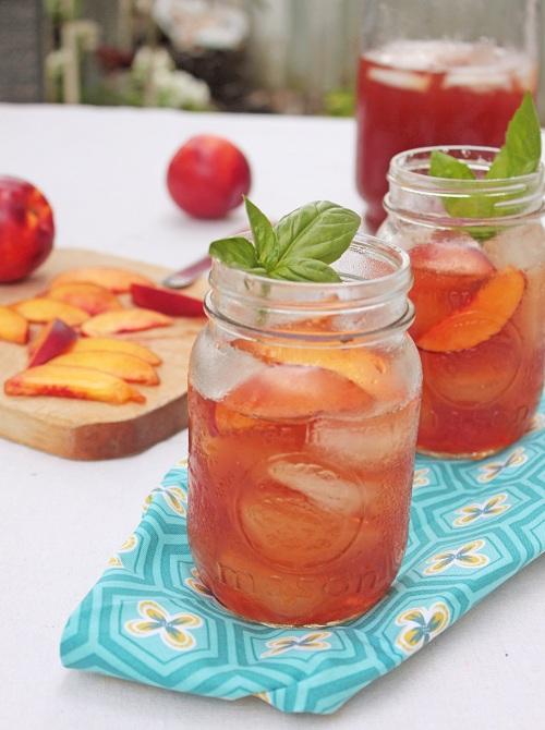 Nectarine Basil Iced Tea | Iced Tea Recipes That Will Rock Your Summer | peach iced tea syrup