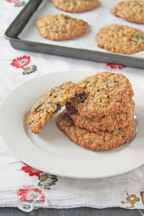 Oatmeal Cherry Cookies